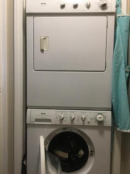 Washer Dryer stacable image