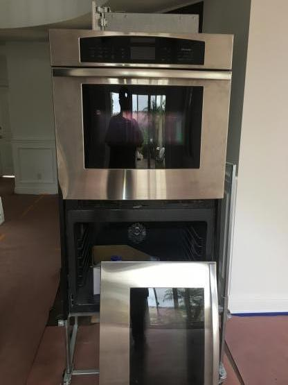 Thermador oven installation image